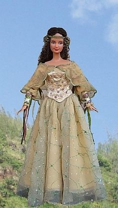 Star Wars Padme Amidala - OOAK Picnic dress for Barbie doll.  The site is very generous with patterns.