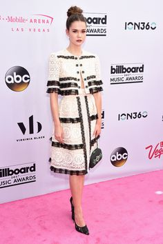 See Every Look from the Billboard Music Awards Red Carpet Celebrity Red Carpet, Celebrity Dresses, Celebrity Style, Fashion Idol, Fashion News, Fashion Beauty, Billboard Music Awards 2017, Maia Mitchell, Red Carpet Dresses