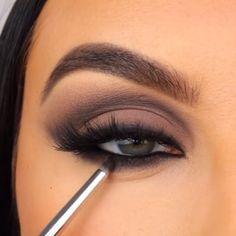 Smokey Eye Makeup Look, Eye Makeup Steps, Eyeshadow Makeup, Brown Smokey Eye Makeup Tutorial, Smoke Eye Makeup, Matte Eye Makeup, Makeup Eyes, Easy Smokey Eye, Eye Shadow Tutorial