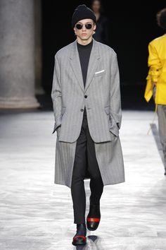 See the complete Neil Barrett Fall 2017 Menswear collection.