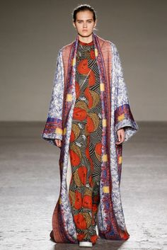 look 26 - Stella Jean Fall 2015 Ready-to-Wear Collection Photos - Vogue Stella Jean, Modest Fashion, Boho Fashion, High Fashion, Womens Fashion, Milan Fashion, Runway Fashion, Winter Trends, African Inspired Fashion