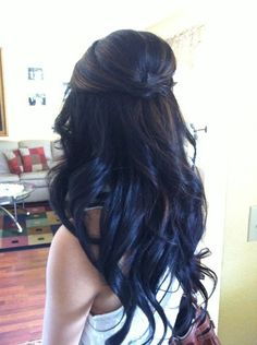 Gorgeous! Super easy to create these beautiful loose waves too