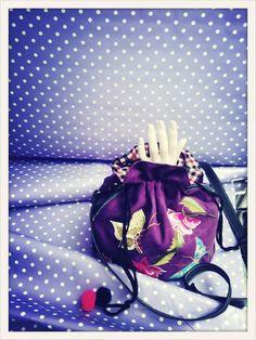 #lafemmemimi #fashion #designer #womensfashion #prague #window #clothes #bag #embroidery #hand #dots #violet