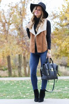@brightonkeller // BrightonTheDay Blog // Faux Shearling Vest Outfit // vest outfit ideas // fall outfit // black booties outfit