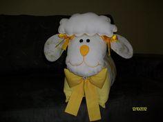 Travesseiro ovelhinha.