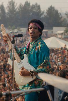 Jimi Hendrix en el festival de Woodstock, agosto de 1969.