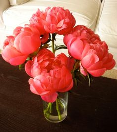 Don't these peonies have the most luscious color? Gorgeous!