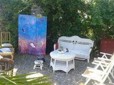 Hermoso sábado de sol y calor en Punta del Este La Barra.  Esperamos tu visita en Juan Cosas Viejas La Barra una opción diferente en casa de decoración, diseño, arte, restauración de muebles patinas y reciclado en La Barra Punta del Este Ruta 10.