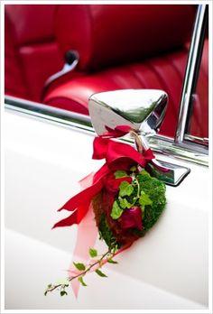 Car flowers - cute on all our cars - Amazing Share Wedding Send Off, Diy Wedding, Wedding Cars, Wedding Album, Wedding Blog, Wedding Arrangements, Flower Arrangements, Deco Cars, Floral Wedding