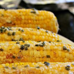 The Most Amazing Parmesan Chive Corn on the Cob Corn Recipes, Side Dish Recipes, Side Dishes, Men's Hairstyle, Baked Corn, Corn Muffins, Party Finger Foods, Corn Salads, Cob