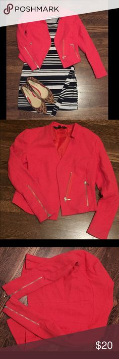 *reduced*Red Moto Jacket Mossimo- Sz 6 You don't need to spend a ton to be stylish! This red linen mood jacket looks great paired with a dress or skinny jeans add some statement heels and your ready for a night out! mossimo Jackets & Coats Blazers