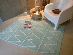 http://www.mamidecora.com/alfombras-tonos-pastel-lorena-canals.html