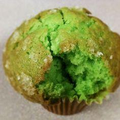 Break me a piece of this - Pistachio Muffin. Muffin Recipes, Cupcake Recipes, Baking Recipes, Dessert Recipes, Desserts, Pistachio Muffins, Pistachio Recipes, Pistachio Cupcakes, Pistacia Vera