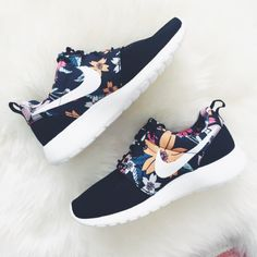 Nike Roshe Run Women Flower Blue