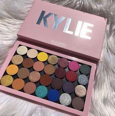 Kylie Cosmetics Pro eyeshadow palette, single shadows - eyeshadow - Make Up İdeas Kylie Makeup, Makeup Goals, Skin Makeup, Kylie Jenner Makeup Products, Blush Makeup, Makeup Lipstick, Makeup Brands, Best Makeup Products, Beauty Products