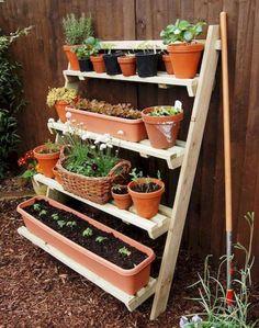 Amazing Useful Ideas: Veggie Garden Ideas Fence small backyard garden tiny house. Small Backyard Gardens, Small Space Gardening, Small Garden Design, Small Patio, Small Gardens, Vertical Gardens, Small Garden Next To House, Garden Ideas For Small Spaces, Tiny Garden Ideas