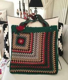 Knitting patterns, knitting designs, knitting for beginners. Crochet Clutch, Crochet Handbags, Crochet Purses, Bag Patterns To Sew, Sewing Patterns, Crochet Patterns, Crotchet Bags, Knitted Bags, Granny Square Bag