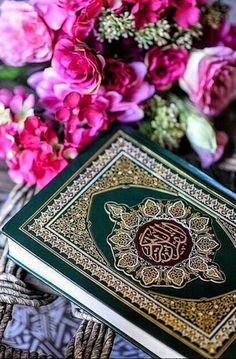 Allah Islam, Islam Quran, Beautiful Landscape Wallpaper, Beautiful Landscapes, Lockscreen Iphone Quotes, Islamic Books Online, Quran Sharif, Jumma Mubarak Images, Allah Calligraphy