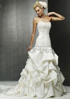 a-line/princess sweetheart train chapelle des robes de satin de mariée bustier