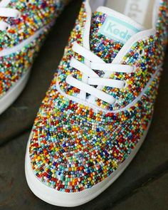 32 Ideas Embroidery Diy Shoes For 2019 Ty Dye, Shoe Makeover, Beaded Shoes, Do It Yourself Fashion, Decorated Shoes, Shoe Art, Diy Embroidery, Painted Shoes, Diy Clothing