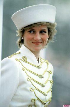 Diana belíssima dama inglesa.