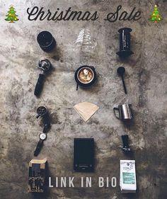 Visit @alternativebrewing online to browse a range of coffee brewing equipment. Link in Bio  @alternativebrewing  by @zefzefs by originalaeropress
