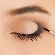 Макияж глаз для начинающих: подробный путеводитель с видеоуроками - Makeup Step By Step, Makeup 101, Face Makeup, Makeup Looks, Longer Eyelashes, Makeup Revolution, Beauty Box, Beauty Skin, Beauty Makeup