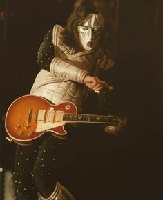 Foto Beatles, The Beatles, Paul Stanley, Ace Frehley, Hot Band, Im Grateful, Playing Guitar, Classic Rock, Rock And Roll