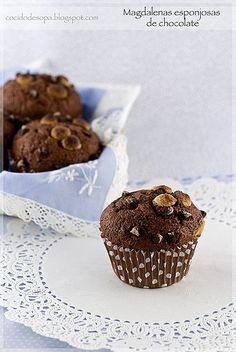 Magdalenas esponjosas de chocolate_0 Chocolate Muffins, Chocolate Cookies, I Love Chocolate, Pan Dulce, Time To Eat, Fondant Cakes, Brownie Recipes, Mini Cakes, Creative Food