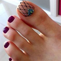 100+ stylish and delicate toenails design example - Page 39 of 100 - Inspiration Diary