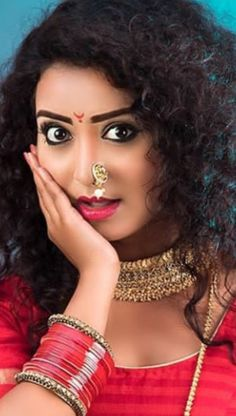 Beautiful Girl Indian, Beautiful Indian Actress, Portrait Photography, Fashion Photography, Marathi Wedding, Outdoor Portraits, Indian Celebrities, Indian Actresses, Faces