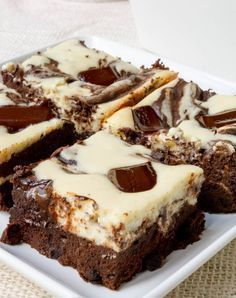 Low carb cheesecake brownies. 13 Diabetes-Friendly Desserts You'll Never Believe Are Sugar-Free via @PureWow
