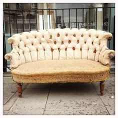Buttoned French Sofa I just love this look. so worn and vintage!