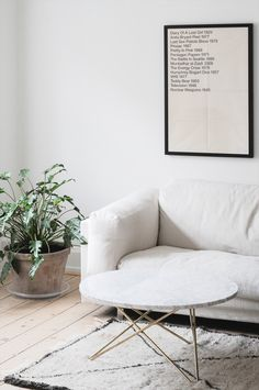 White linen | IKEA Nockeby | Get the look: http://bemz.com/articles/models/sofa-covers/noc2/?fabric=S101