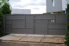 CONTEMPORARY IRON DRIVEWAY GATES | Automatic Gates Front Wall Design, Main Gate Design, Door Gate Design, House Gate Design, Fence Design, Grill Gate, Riad Marrakech, Modern Garage Doors, Gates And Railings