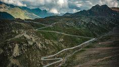 Auf Tirols Hochalpenstraßen zeigt sich das Land aus einer ganz anderen Perspektive. Grand Tour, Mountains, Nature, Camper, Country, Tourism, Tours, Viajes, Naturaleza
