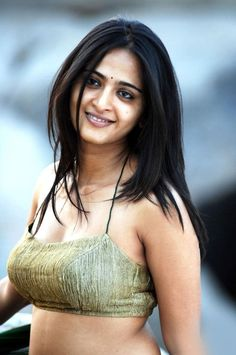 Anushka Shetty Saree and Navel Photos (20) – Movie Gallery One