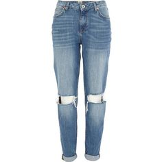 River Island Mid wash ripped knee Ashley boyfriend jeans (€36) ❤ liked on Polyvore featuring jeans, pants, bottoms, pantalones, sale, destroyed jeans, destructed jeans, distressed boyfriend jeans, ripped jeans and boyfriend jeans