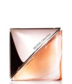 REVEAL de Calvin Klein. Reveal es una nueva versión de simplicidad del icónico perfume Calvin Klein. CK Reveal es un perfume para una mujer elegante y sofisticada.