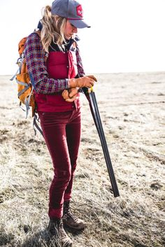 Outfit Inspirations with Hiking Boots for Women Women, boots hiking mountain outfit nice 778770960542438099 Hiking Boots Outfit, Trekking Outfit, Cute Hiking Outfit, Hiking Boots Women, Hiking Shoes, Outdoor Wear, Outdoor Outfit, Mode Plein Air, Outdoorsy Style