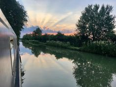 Whether it's in Calcutt Boats Marina or out on the Canal, there are always beautiful sunsets to absorb.  Another special moment in time to just Relax & Enjoy.
