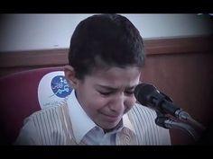 أنظر ماذا حدث بکاء الطفل أثناء تلاوة القران طفل يقرأ القرآن ثم يبكي Youtube Music Bed Pillows