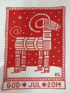 2014 - Mot framtiden Xmas Cross Stitch, Cross Stitching, Cross Stitch Embroidery, Cross Stitch Patterns, Danish Christmas, Nordic Christmas, Christmas Cross, Christmas Embroidery, Textiles