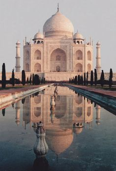Taj Mahal, Agra, India by Monica Forss on flickr
