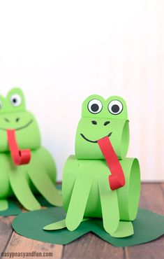 frog art projects for kids - Construction Paper Frog Craft Sitting on A Water Lily Leaf Spring Crafts For Kids, Craft Projects For Kids, Paper Crafts For Kids, Crafts For Kids To Make, Construction Paper Art, Construction For Kids, Frog Crafts Preschool, Toilet Paper Roll Crafts, Cute Crafts