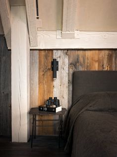 reclaimed barnboard details