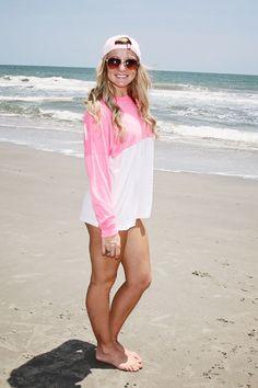 Beach senior girl pose