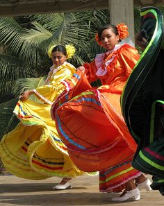Mexican dancers at a Fiesta