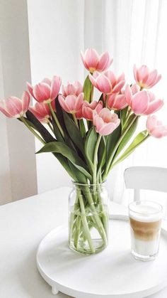 Tulips Wallpaper Iphone Spring Beautiful 57 Ideas For 2019 Nature Iphone Wallpaper, Flower Wallpaper, Wallpaper Backgrounds, Wallpaper Ideas, Wallpapers, Deco Floral, Pink Tulips, Flower Aesthetic, Spring