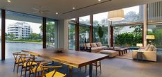 Modern Sophisticated living room in Sentosa Cove, Singapore holiday retreat by Rober Greg Shand Architects